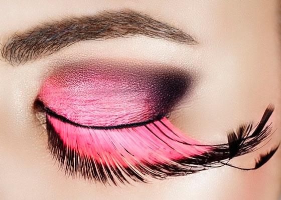 разноцветные ресницы с макияжем глаз