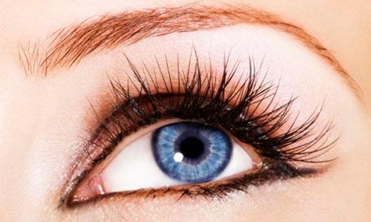 нарощенные ресницы для миндалевидных глаз