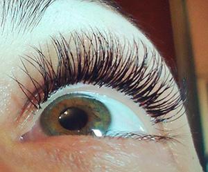 покраснение глаз после наращивания ресниц