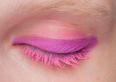 макияж с розовой тушью
